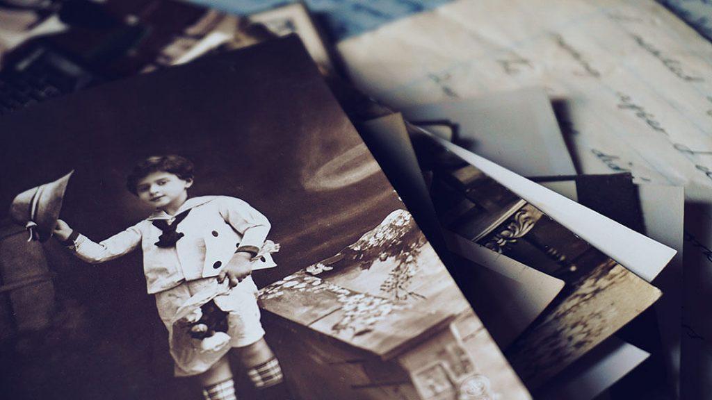 Photos souvenir vieillies par les années