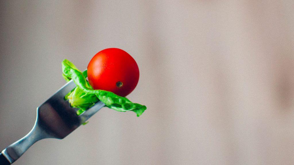 Fourchette tomate salade
