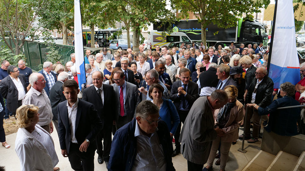 Public venu pour l'inauguration