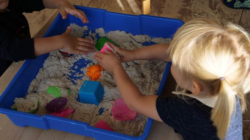 Jeux de sable à l'école